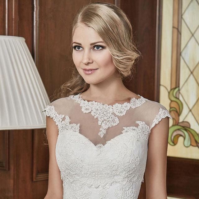 Venda quente Do Casamento Bolero Manga Curta Lace Apliques Wraps Jaqueta de Noiva Acessórios Do Casamento Para As Mulheres