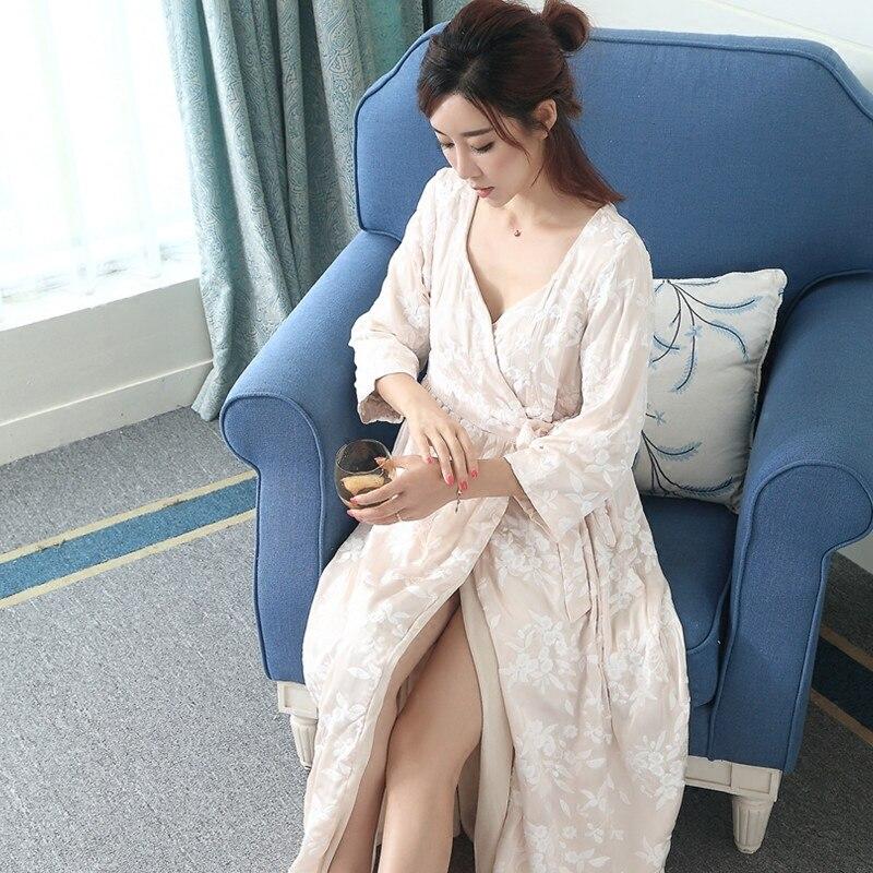 Broderie à la main de luxe femme Robe de nuit Sexy dentelle vêtements de nuit en soie amples femmes peignoirs Kimono rose blanc LMR03