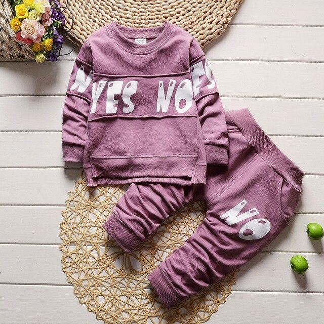 2017 нового ребенка от 0 до 3 лет мальчик ребенок весной и осень шею ребенка костюм детский костюм набор письмо спорт костюм