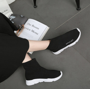 Image 2 - حذاء نسائي مرن موضة 2020 حذاء رياضة للمشي في الهواء الطلق حذاء مسطح للخروجات اليومية حذاء سميك من Zapatos De Mujer