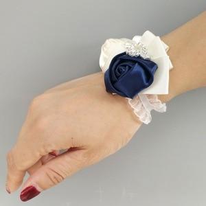 Image 3 - WIFELAI A งานแต่งงานเจ้าสาวชุดเพชรเจ้าบ่าว Boutonniere Sisters Hand กุหลาบข้อมือ Corsage Bridesmaids 2216 T