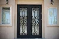 Sprzedaż hurtowa kutego żelaza drzwi wejściowe żelazne żelaza podwójne drzwi wejściowe żelazne żelaza drzwi wejściowe żelazne żelaza drzwi wejściowe na sprzedaż hc22