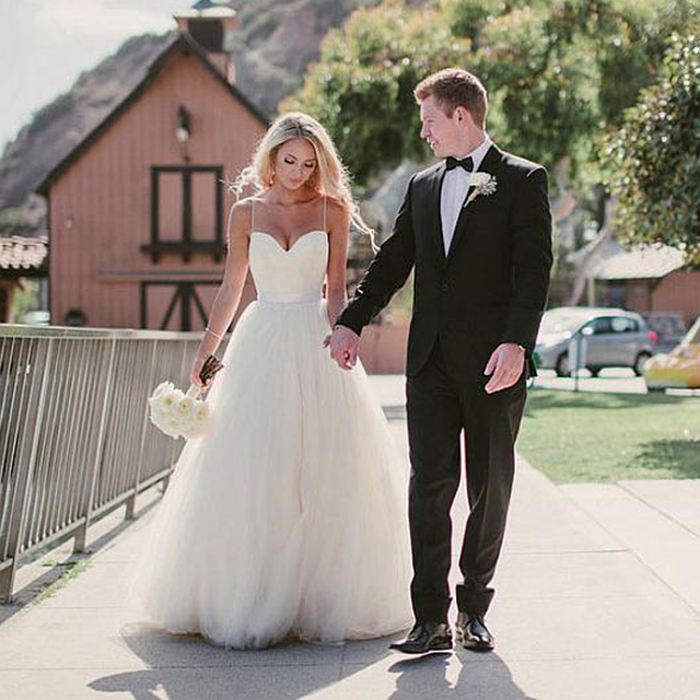 NEW Boho Vintage Simple ball gown White Tulle Wedding Dress Wedding ...