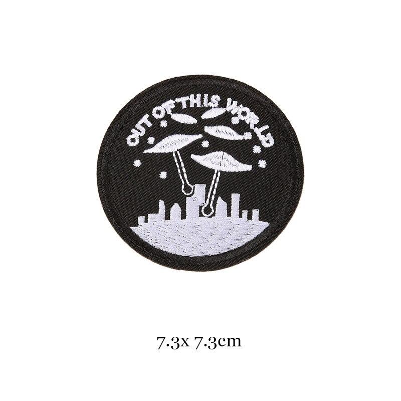 1 шт., черные, белые байкерские нашивки для одежды, железная одежда, аппликация с буквами, Череп, звезда, полосы, вышитая наклейка, круглый значок - Цвет: 26