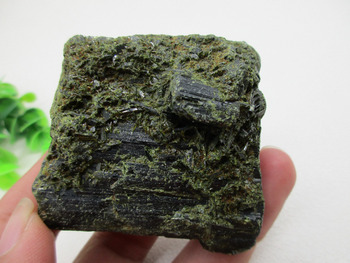 Natural Green Tourmalines Rough Stone Ore Specimens Healing Reiki Home Decorations Mineral Specimen collection gift