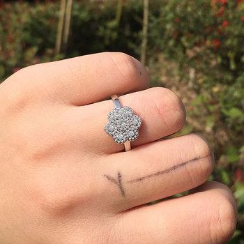 Huitan luksusowy ślubny pierścionek jubileuszowy ładny kwiat kobiety pierścionek hurtownia nastoletnia dziewczyna pierścionek New Arrival moda biżuteria pierścionek zaręczynowy tanie i dobre opinie CN (pochodzenie) Mosiądz Cyrkonia Śliczne Romantyczny Zespoły weselne PLANT Other B2010 Invisible ustawienie Rocznica