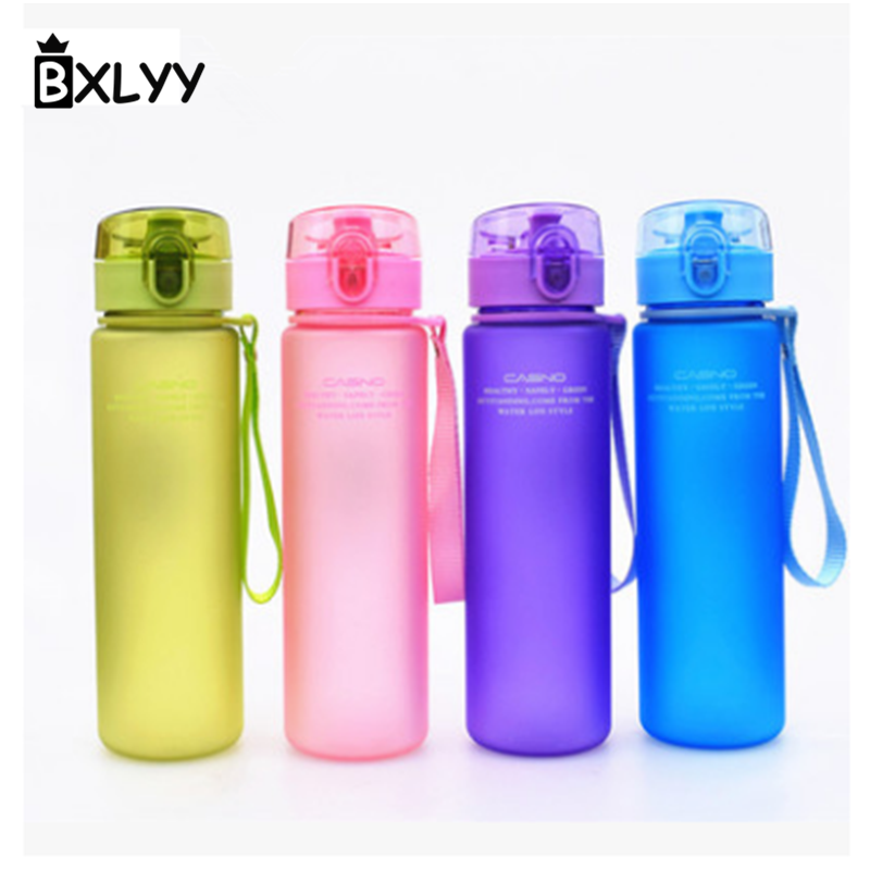BXLYY 560ml Plastic Frosted Water Bottle Leak-proof Seal Hiking Portable Sports Water Bottle Decoration Wedding Party Gift .8z
