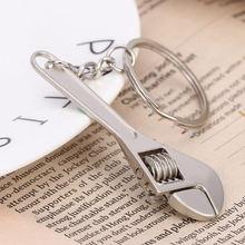 Mini porte-clés clé en métal réglable, outil clé de voiture, porte-clés, nouveauté à la mode porte-clés en acier inoxydable