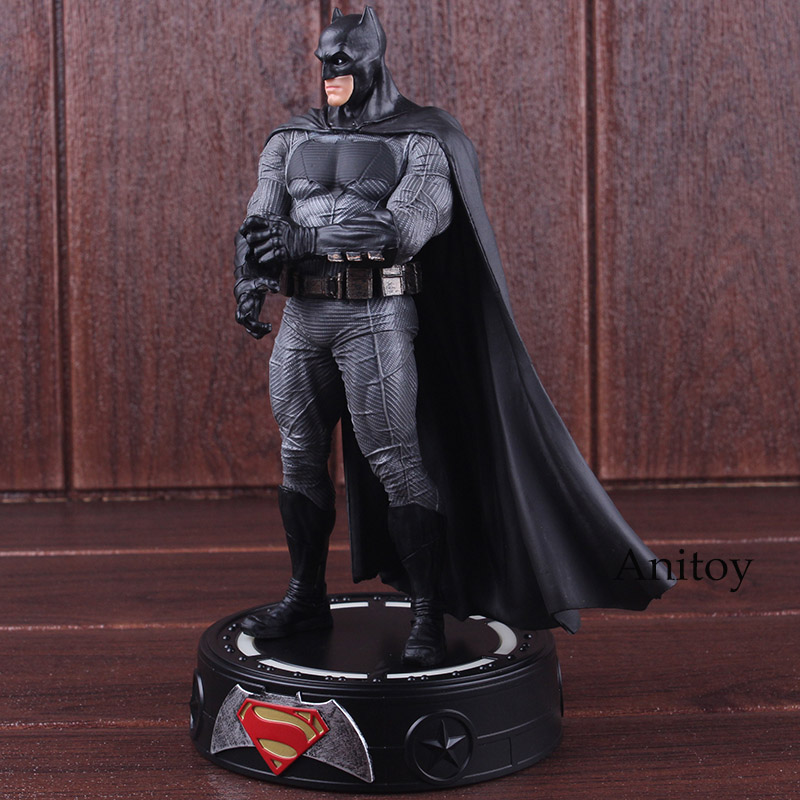Figurine Action DC Comics Batman vs Superman aube de la Justice Figurine Batman figurines Statue Led éclairage Base jouet Figurine poupée 19 cm