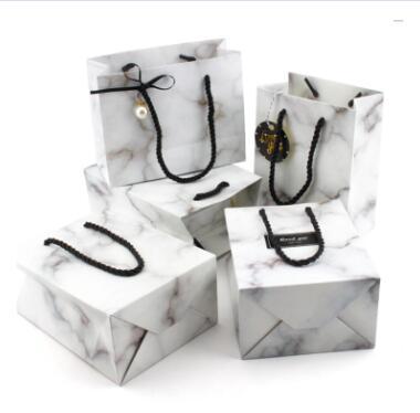 200gsm бумажная коробка Индивидуальный Логотип Customzied логотип натуральный коричневый бумажный пакет 2000 шт. и матовый мешок 5000 баланс оплаты