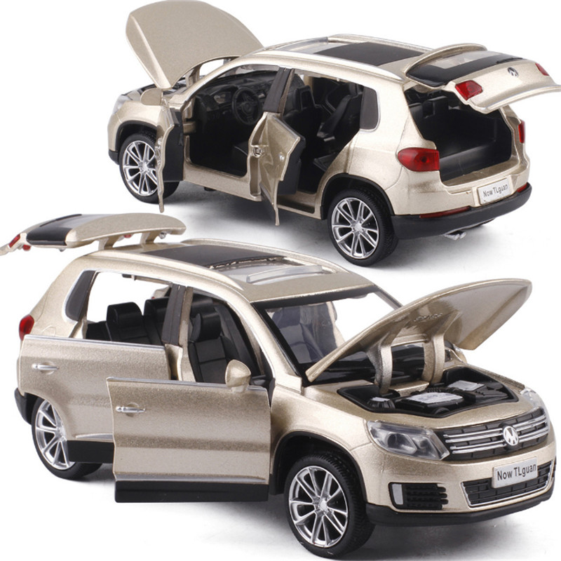 Tiguan SUV Alloy Pull Back Toy Car Model High Simulation 1:32 Musical Flashing Six Open The Doors Diecast Metal For Kids Toys
