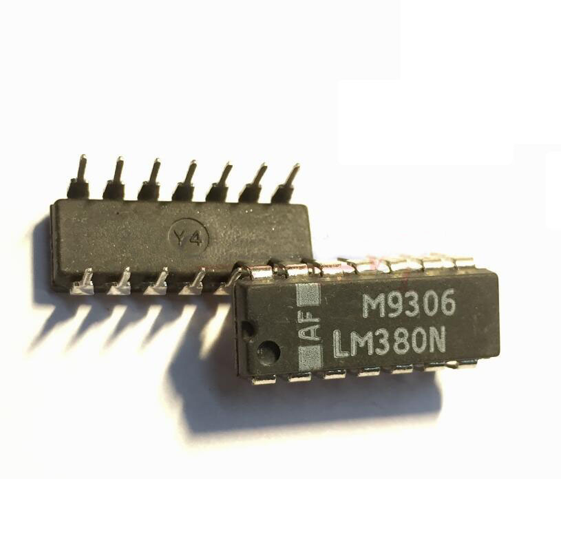 PIC16F684-I//P PIC16F84 Dip Package 14 Pin Microcontroller