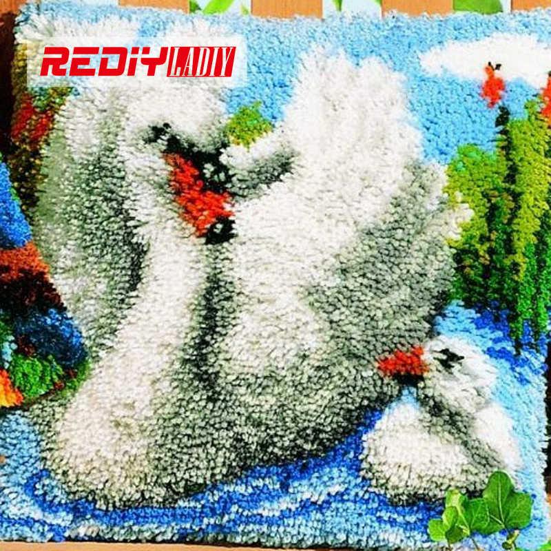 LADIY защелки крюк Подушка пряжа для чехол для подушки с вышивкой родина Лебедь наволочка с аппликацией Декоративные Чехлы для подушек BZ824