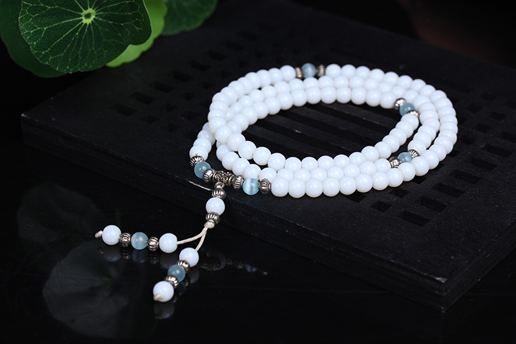Mala en perles de calcédoine blanche - pierre semi-précieuse, bracelet collier chapelet bouddhiste tibétain, bijou spirituel zen tendance yoga pour femme homme unisexe