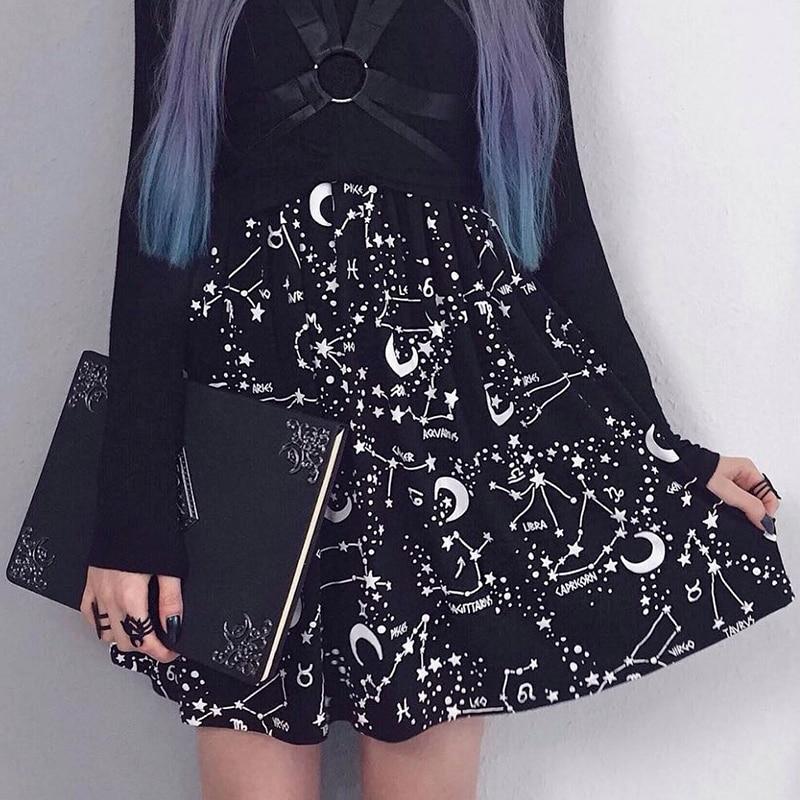 Summer Plented Skirts Women Moom Star Print High Wiast Black Short Skirt Gothic Coplay Wind Casual Fashion Lady Sexy Slim Skirts