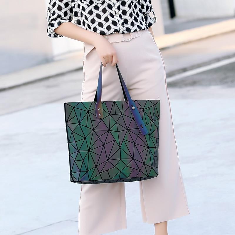 2017 Brand Bao Bao Bag Women Shoulder Messenger Bag Geometric Handbags Luminous Sequins bag luxury handbags women bags designer паяльник bao workers in taiwan pd 372 25mm