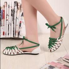 Free shipping 2016 summer new fashion flat Women sandals hollow lace shoes with flat Women shoes in Rome