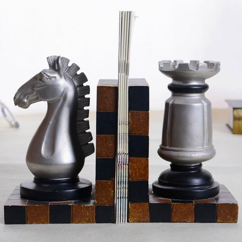Vintage Style D'échecs Décoratifs Conception Résine Étagère Serre-livres 11 cm (L) * 9 cm (H) * 9 cm (W)