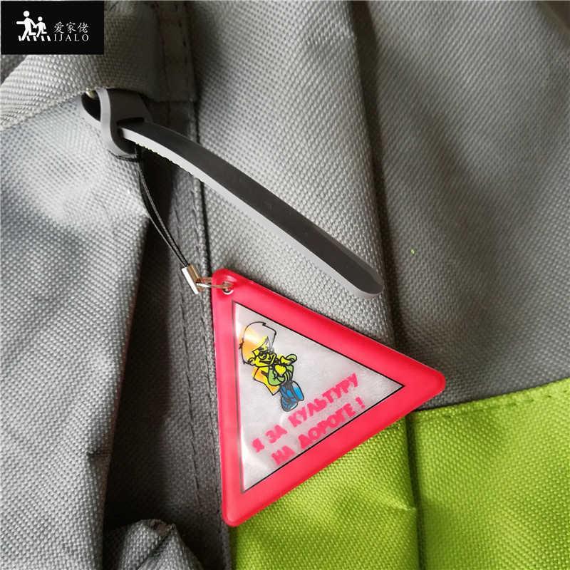 Üçgen modeli Yansıtıcı çanta anahtarlığı kolye aksesuarları Yüksek görünürlük anahtarlıklar trafik görünür güvenlik kullanımı