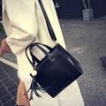 Free shipping, 2017 new woman fashion handbags, trend leisure messenger bag, simple Korean version women bag, retro tassel flap.