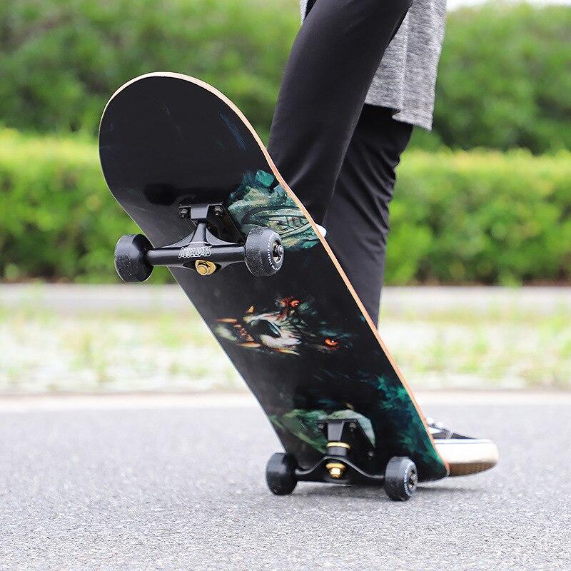 Skateboard à quatre roues enfants et Adolescents débutants adultes professionnels garçons et filles Double-gauchissement Scooter jouet jeux