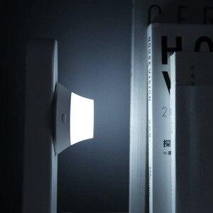 Image 3 - オリジナルyeelightワイヤレス充電器ledナイトライト磁気吸引のための急速充電サムスンのためのiphone xiaomi