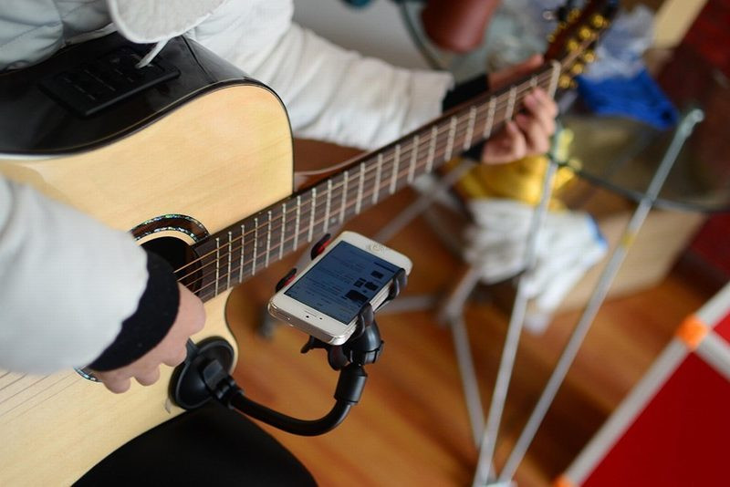 Guitar-Sidekick-Universal-Smartphone-Support-Phone-Holder-for-iPhone-6s-Plus-6s-5s-5c-Samsung-Galaxy-S6-Edge-Plus-S6-S5-S4-Note5-2 (1)