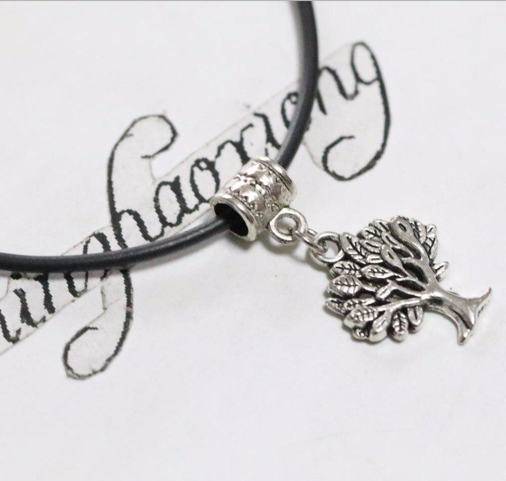407c495aae77 Plata tibetana encantadora Navidad árbol Amuletos cadena pendiente de la  cuerda de goma del collar 10 unids