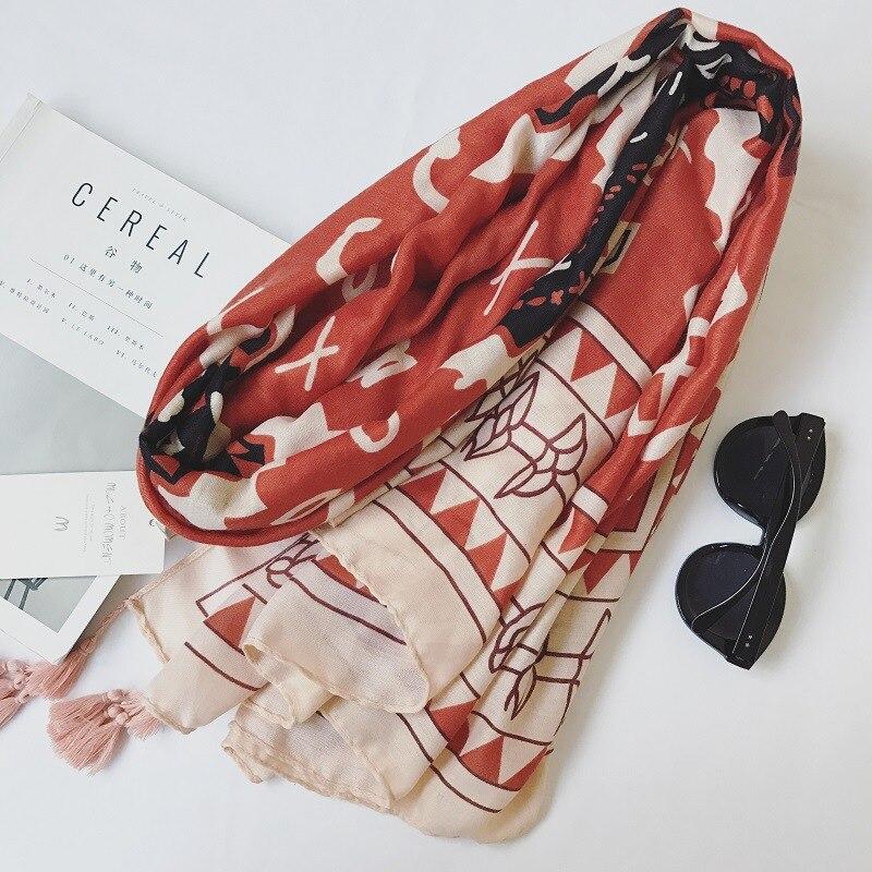Femmes Coton Écharpe Unique Lettre Conception Bufandas w Glands Solaire  Couverture Wrap Nouveau 180x100 cm  2505  d969e83a5f3