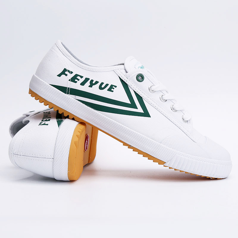 Respirant plat Sneaker classique Kung Fu chaussures Feiyue chaussures Tai Chi femmes pantoufle Art Martial Taekwondo chaussures hommes chinois Kung Fu