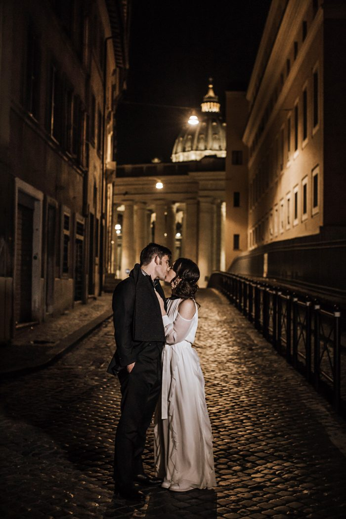 piazza-del-campidoglio-in-rome-was-the-perfect-wedding-destination-for-this-art-and-history-loving-couple-quince-and-mulberry-studios-60-700x1050