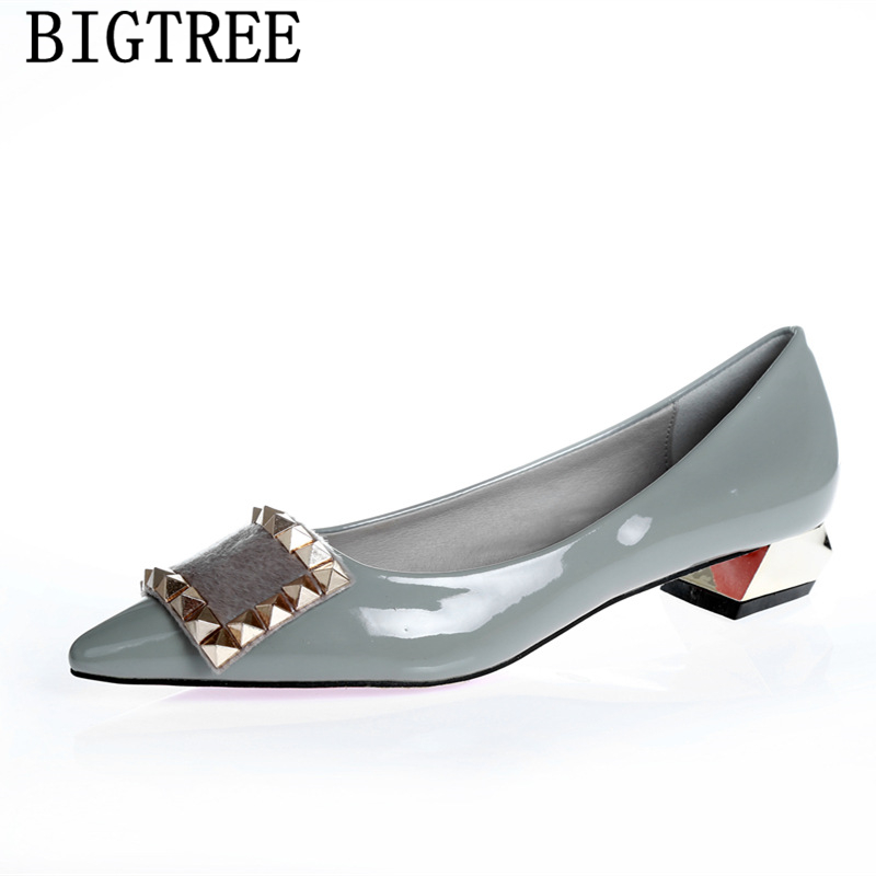 low heel shoes patent leather wedding shoes bride pointed toe heels fur thick heels pumps women shoes tacones altos mujer sexylow heel shoes patent leather wedding shoes bride pointed toe heels fur thick heels pumps women shoes tacones altos mujer sexy