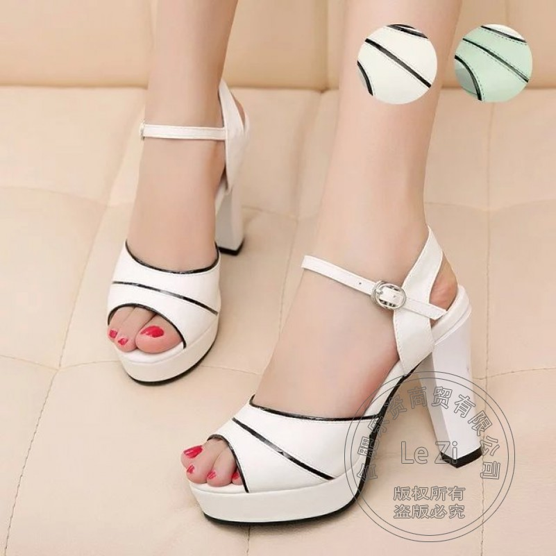 Full Grain Leather Buckle Pig Leather Platform Square Heel Leisure Mature Thick Heels All Match Hasp