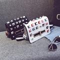 Nuevo de Las Mujeres Mini Pequeño Bolsas de Bloque de Color de Moda de la Señora de Cuero Bolsa de Mensajero Calidad Remaches Bolsa de Hombro Femenino Cruzada Cuerpo Caliente