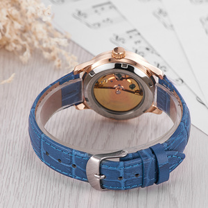 Image 5 - OUYAWEI ブランドスケルトンゴールド機械式自動腕時計女性ファッション白黒青腕時計レディース時計レロジオ Feminino