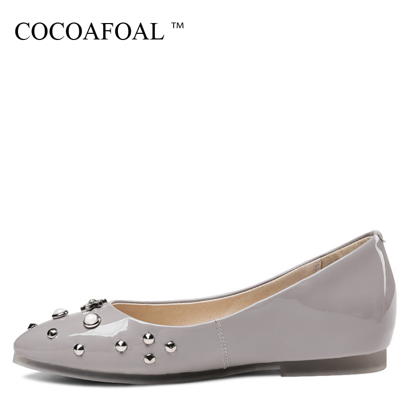 COCOAFOAL Woman Crystal Flats Fashion Plus Size 34 - 43 Black Beige Gray Platform Shoes Patent Leather Rivet Casual Loafers 2018 мозаика elada mosaic n52 beige long size crystal stone