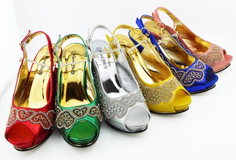Nieuwste Ontwerp Bijpassende Italiaanse Schoen en Tas Set Versierd met Strass Afrikaanse Schoenen en Bijpassende Tassen JZC002-in Damespumps van Schoenen op  Groep 3