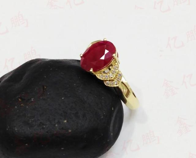 18 k gold inlaid natural Burmese ruby ring female 1.6 carats luxury and generous Birthday gift 3