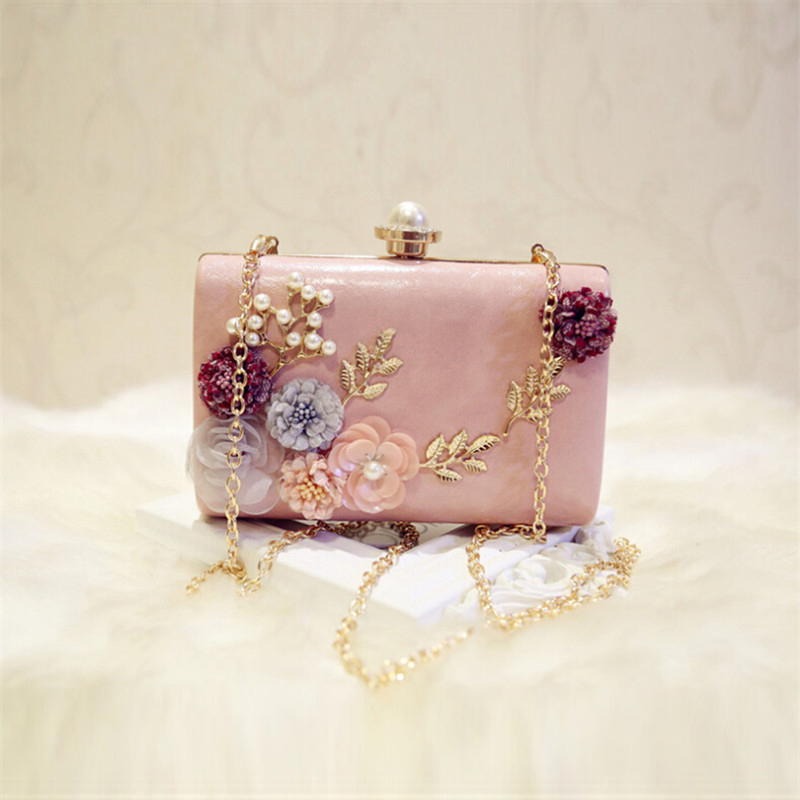 Meloke 2018 high quality handmade flowers evening clutch luxury clutch  wallet with chain wedding dinner bags for ladies MN695-in Top-Handle Bags  from ... 496909cd62ac
