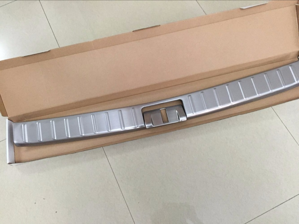 Stainless Steel Rear Trunk Door Sill Footplate Cover Protector Plate For Lexus RX RX200t RX350 RX450h 2016 2017 NEW new arrival for lexus rx200t rx450h 2016 2pcs stainless steel chrome rear window sill decorative trims