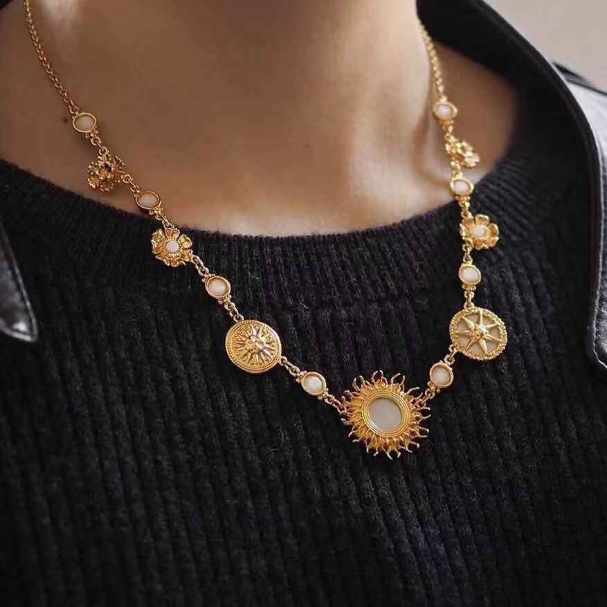 2019 Amybaby Fashion Designer Blazing Gloden Natural Stone Vintage Womens Necklace Jewelry For party