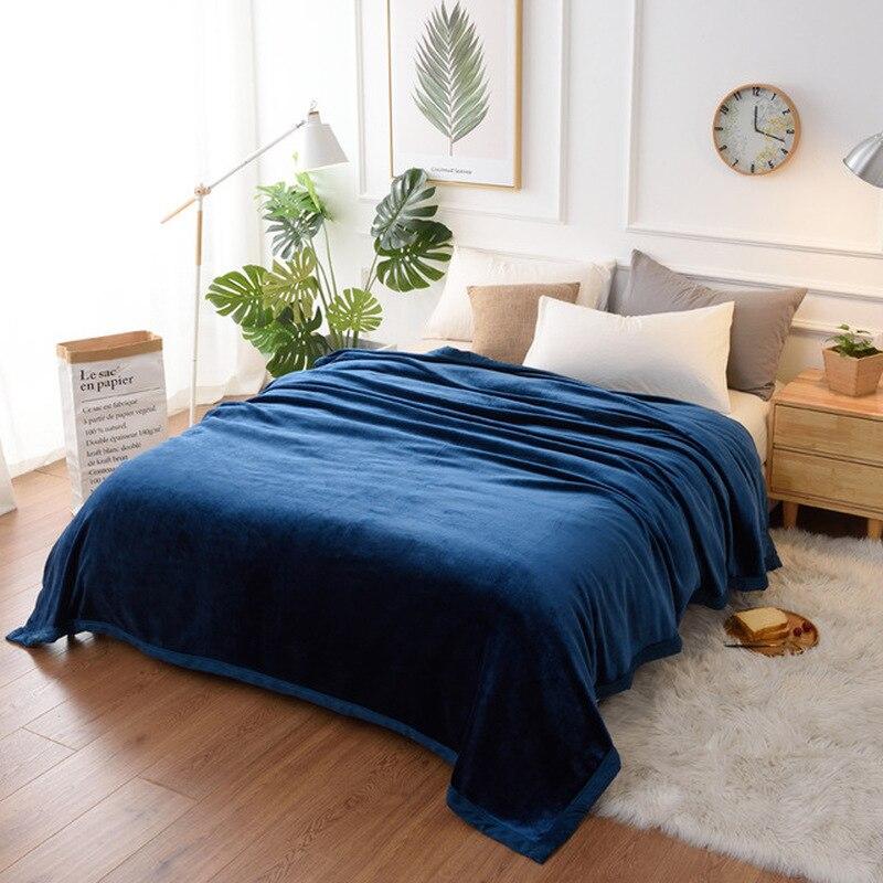 Couverture d'ouatine de corail de flanelle de couleur unie couverture de Sofa de couverture Super douce feuilles chaudes d'hiver couvertures de fausse fourrure de lavage faciles