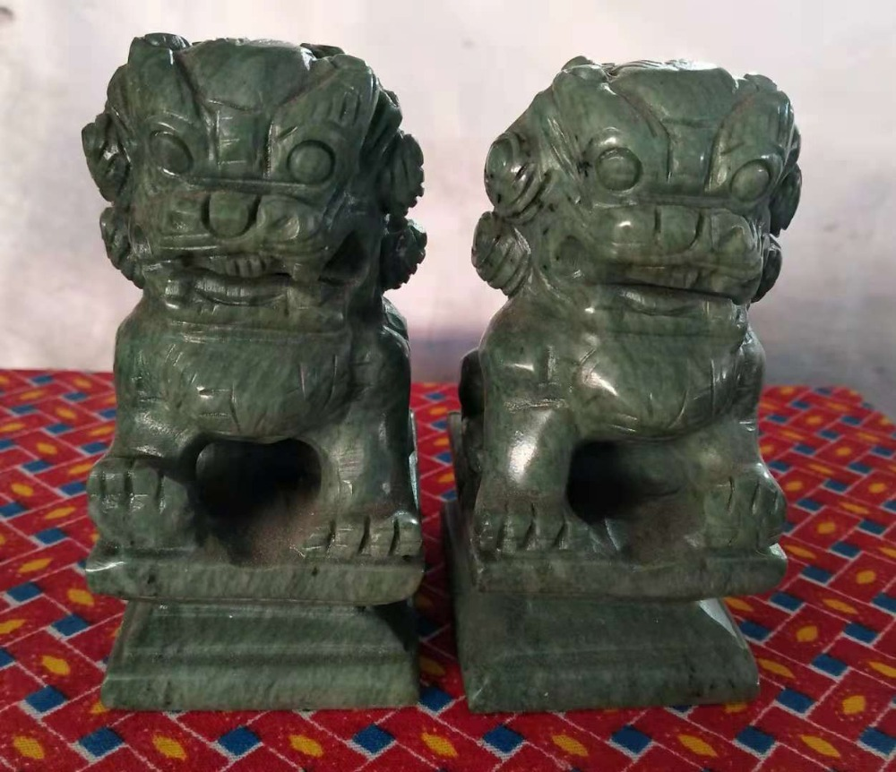 China Mount Lu jade lion pair, home decoration.