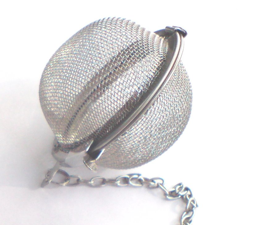 FREE SHIPPING 1pcs Stainless Steel Tea Ball 4.5cm Pot Infuser Strainer  Sphere Locking Spice Mesh Infuser