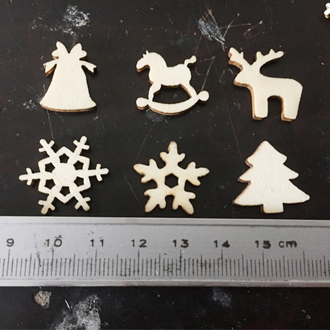 Top Sale 50pcs Natural wooden DIY Christmas tree Hanging Ornaments Pendant Gifts Tree Snow Flakes table bottle diy decoration