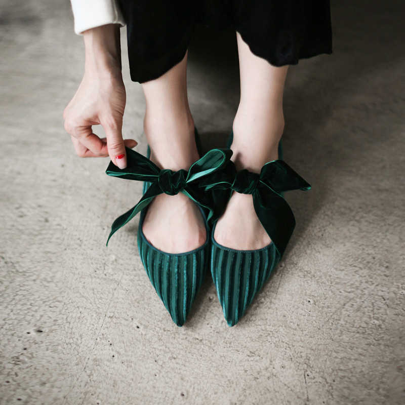 4f3fc01c0945 Women s Velvet Big Bow Tie Slip-on Ballet Flats Brand Designer Pointed Toe  Korean Style