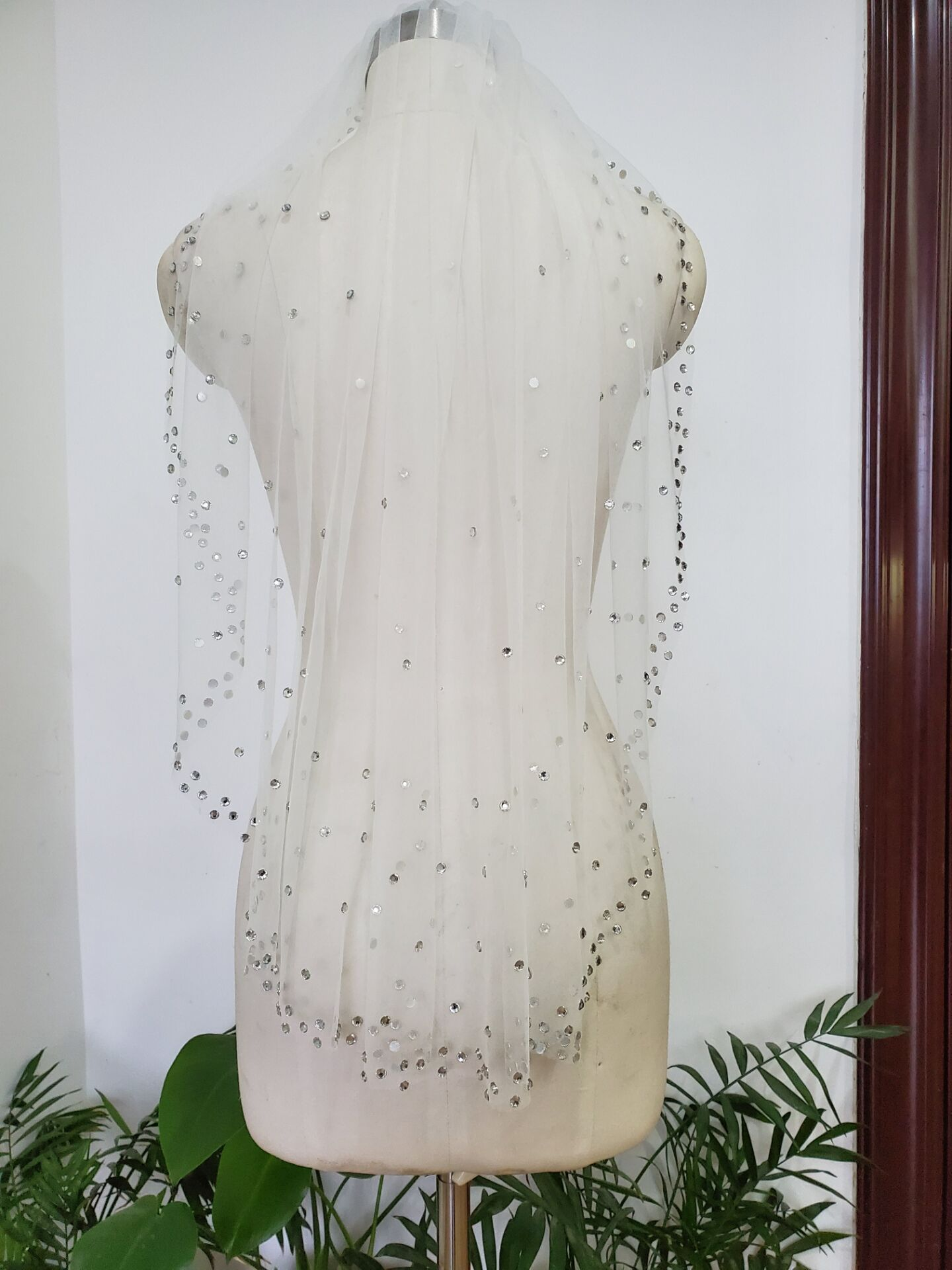 1 Tier White Ivory Fingertip Veils Crystals beaded Bridal Wedding Veil With Comb