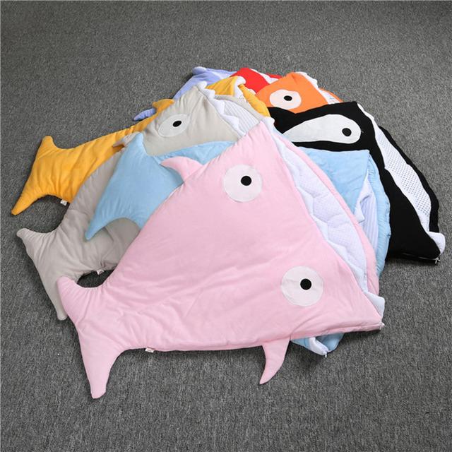 100% nuevo tipo de tiburón multifuncional recién nacido bebé kids anti kick saco de dormir