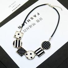 e26f277701bc Personalidad nueva mujer collares geométricos tela colgante suéter corto  cadena collar accesorios de moda