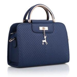 Image 5 - Fashion Handbag 2020 New Women Leather Bag Large Capacity Shoulder Bags Casual Tote Simple Top handle Hand Bags Deer Decor